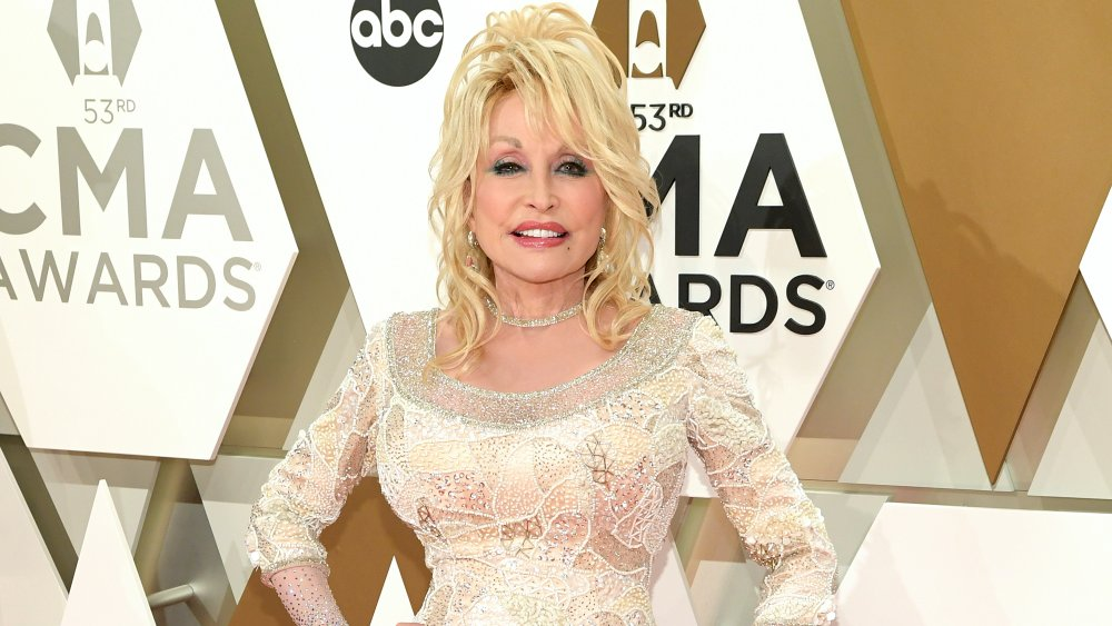 The real reason Dolly Parton always wears long sleeves